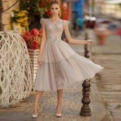 Hot Sale Charming Short Prom Party Dresses Tea Length Cap Sleeves Bateau Neckline Appliqued Wedding Guest Gowns Illusion Back Dresses Women cb5feb1b7314637725a2e7: Black|Blue|Champagne|Gold|Gray|Green|Ivory|Orange|Photo color|Pink|Purple|Red|White|Yellow